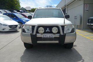 2010 Mitsubishi Pajero NT MY10 Activ White 5 Speed Sports Automatic Wagon.