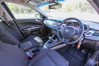 2013 Alfa Romeo Giulietta Series 0 MY13 Progression Black 6 Speed Manual Hatchback