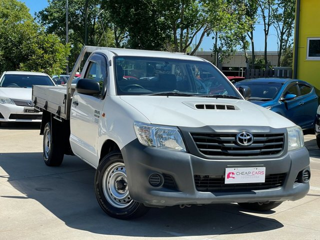 Used Toyota Hilux KUN16R MY14 Workmate 4x2 Toowoomba, 2015 Toyota Hilux KUN16R MY14 Workmate 4x2 White 5 Speed Manual Cab Chassis