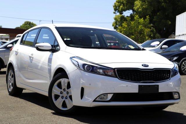Used Kia Cerato BD MY19 S Toowoomba, 2018 Kia Cerato BD MY19 S White 6 Speed Sports Automatic Hatchback