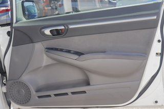 2006 Honda Civic 8th Gen VTi-L White 5 Speed Automatic Sedan