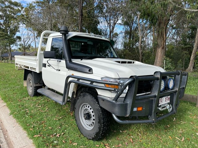 Pre-Owned Toyota Landcruiser VDJ79R MY18 Workmate (4x4) Oakey, 2018 Toyota Landcruiser VDJ79R MY18 Workmate (4x4) French Vanilla 5 Speed Manual Cab Chassis