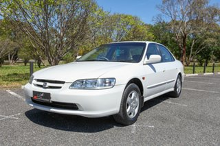 2001 Honda Accord V6-L White 4 Speed Automatic Sedan.