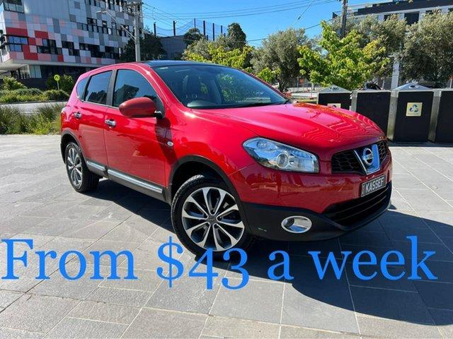 Used Nissan Dualis J10 Series II MY2010 Ti Hatch South Melbourne, 2011 Nissan Dualis J10 Series II MY2010 Ti Hatch Red 6 Speed Manual Hatchback