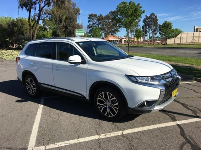 Used Mitsubishi Outlander ZL MY19 ES 2WD ADAS Yarrawonga, 2018 Mitsubishi Outlander ZL MY19 ES 2WD ADAS White 6 Speed Constant Variable Wagon